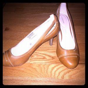 Shoes- Sz 8